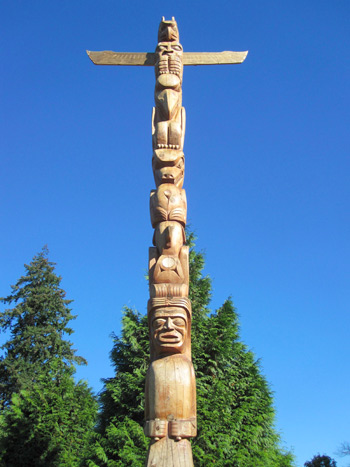 Totem Pole at Stanley Park - NEC Vancouver Field Trip: Tourism Program